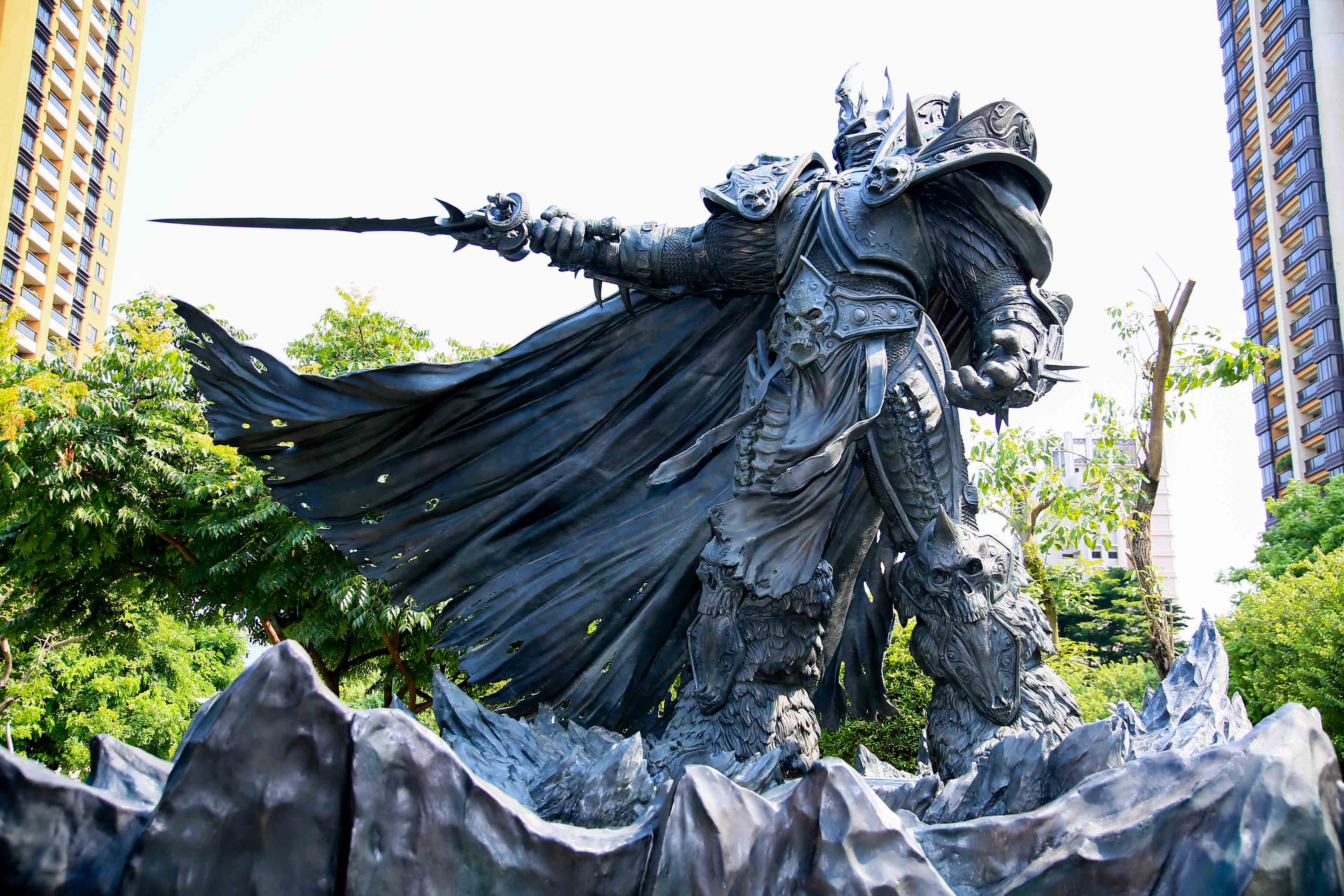 taiwan gets a giant bronze statue of arthas the lich king gameaxis
