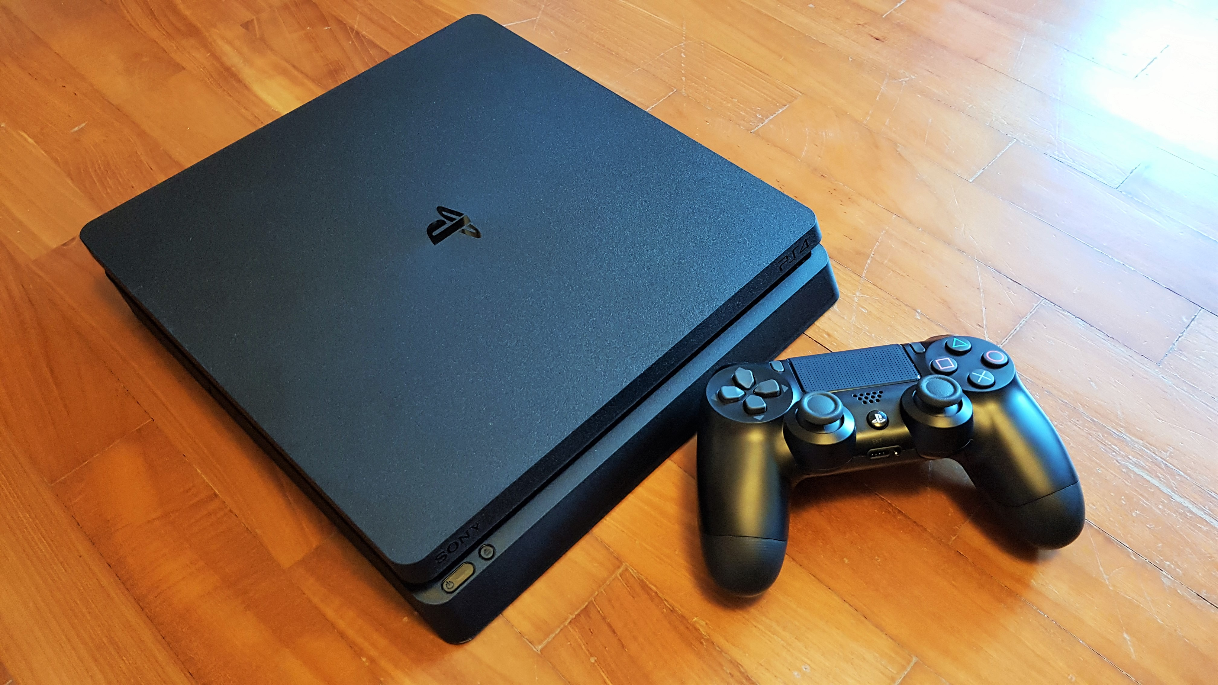 Close Up Look At The New Playstation 4 Slim Gameaxis