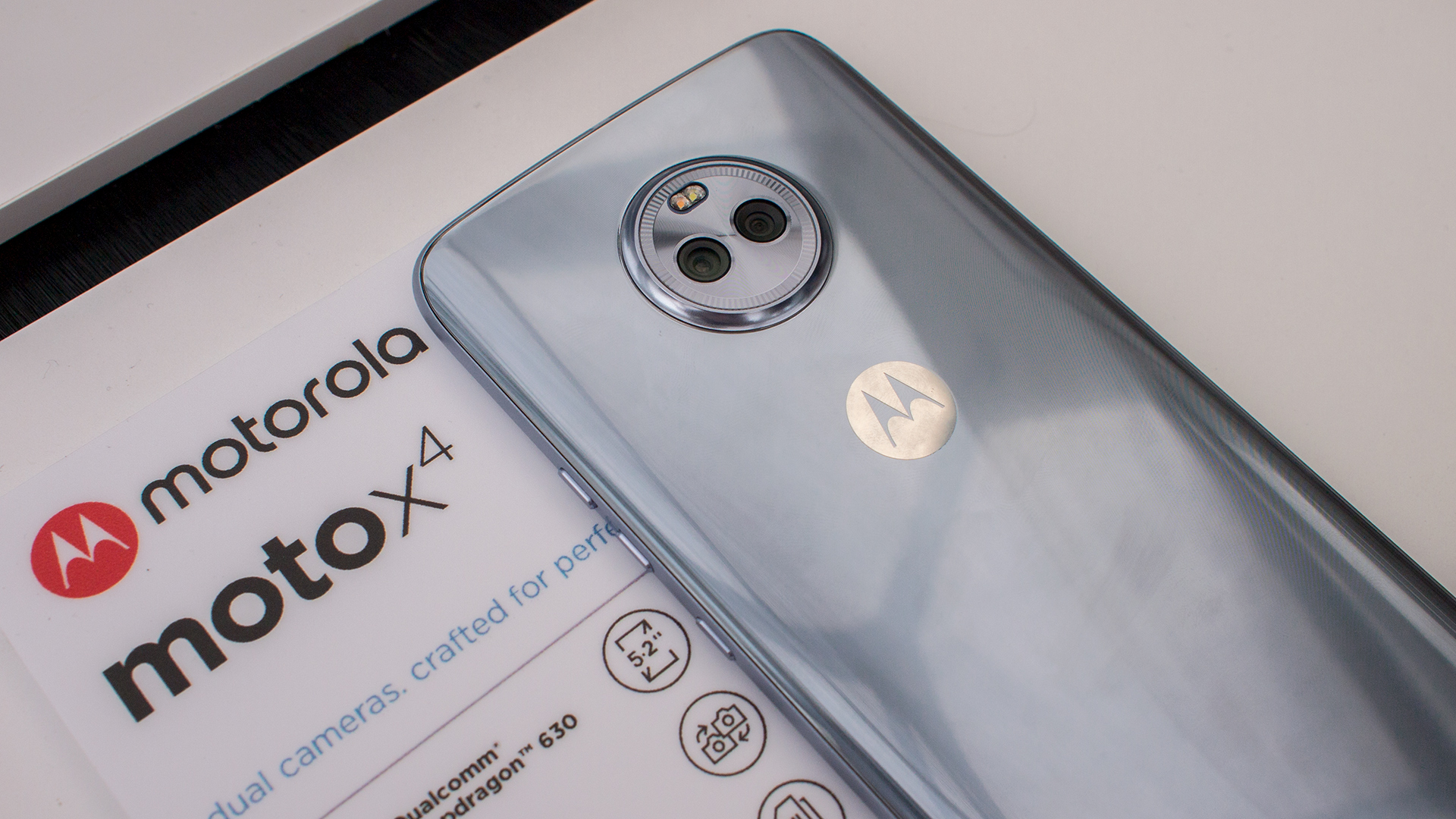 motorola moto x4 sterling blue event2