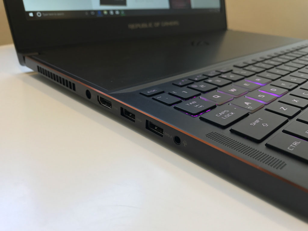ASUS ROG GX501 Zephyrus Impressions - Great for gaming but could be