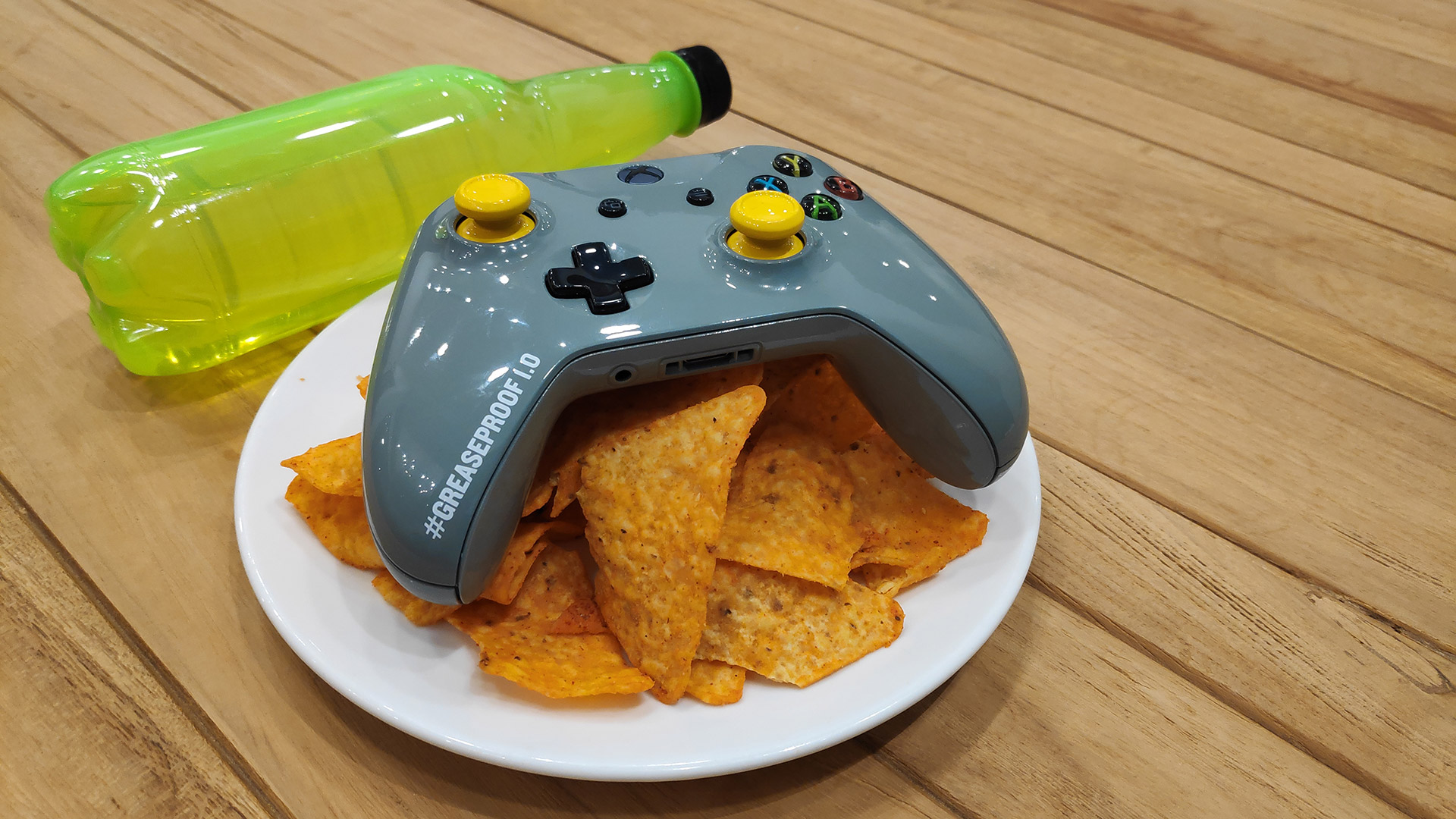 Xbox One Greaseproof Controller - 01
