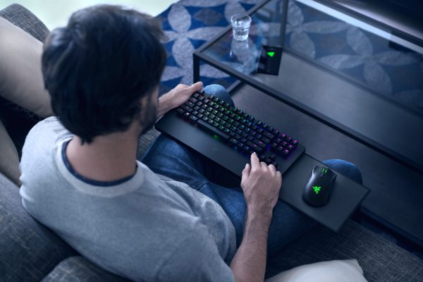 razer-turret-for-xbox-one-lifestyle