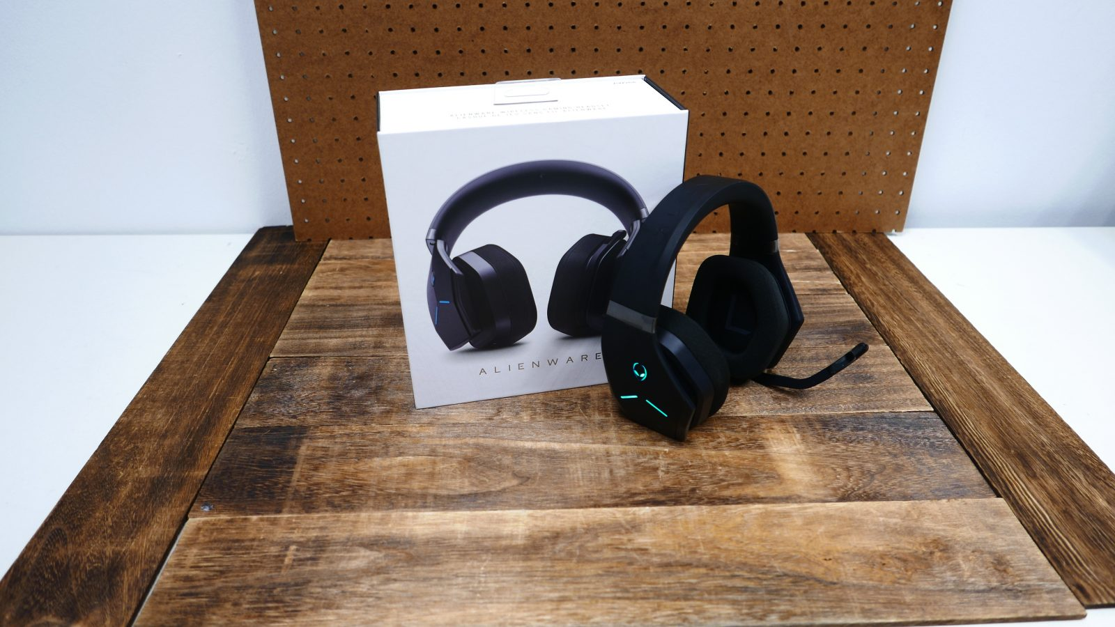 Alienware Wireless Gaming Headset (AW988)