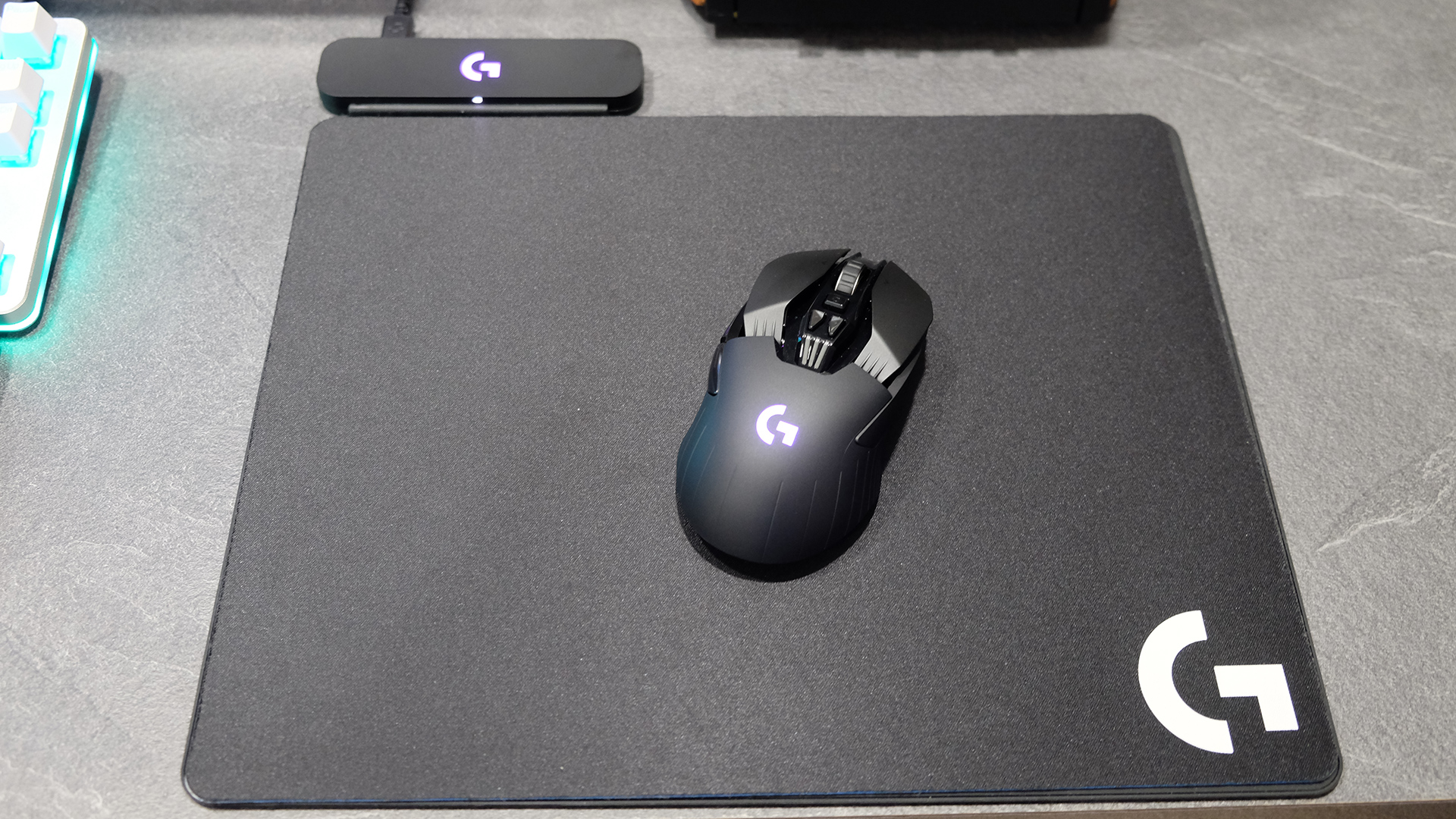 Logitech Powerplay Mouse Mat Review Never Plug In Your Again Logitec